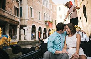 Vianello Limousine Service Romantic Gondola Ride